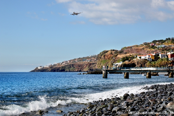 lądujący samolot madera
