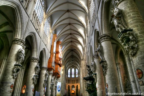 bruksela katedra w środku